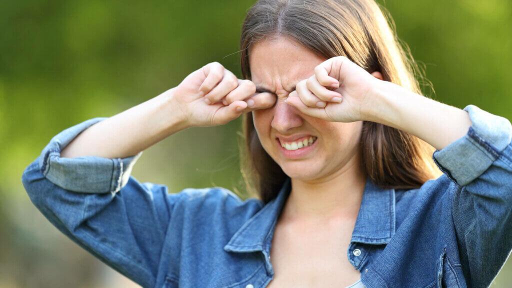 Häufige Komplikationen mit Kontaktlinsen