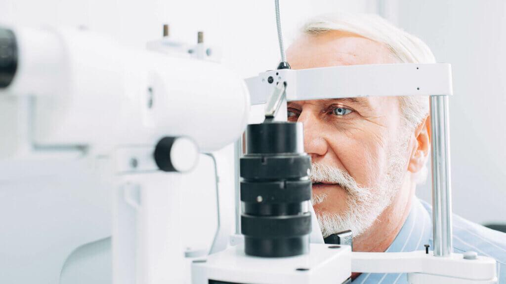 Bei verschwommener Sicht unverzüglich den Augenarzt kontaktieren