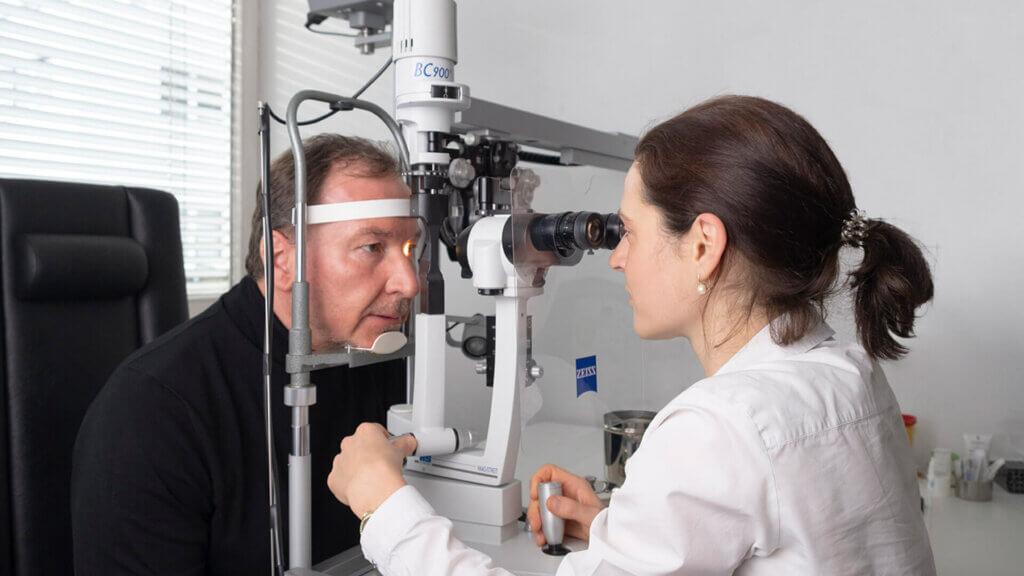 Grauer Star: Symptome rechtzeitig erkennen & vorsorgen