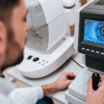Netzhautablösung - bei diesen Symptomen unbedingt einen Augenarzt aufsuchen!